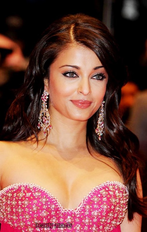 bollywood actress aishwarya rai Hot