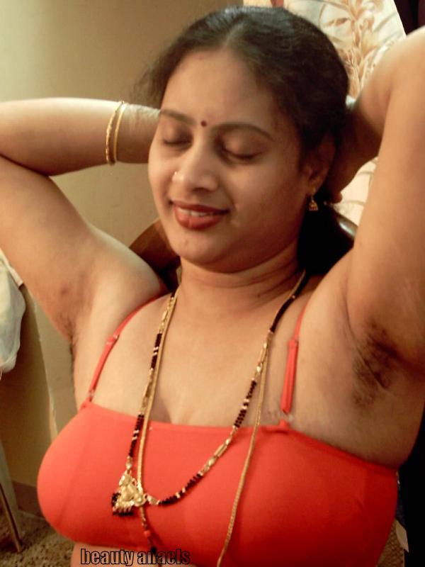 Hot Tamil Aunties In Saree  Beautyanaels-2198