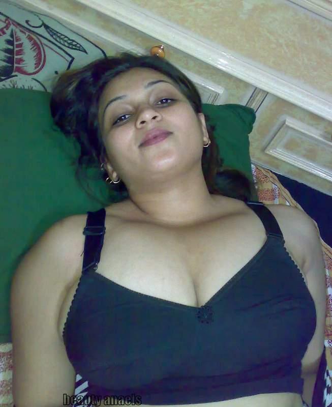 aunty in hot,aunty mallu,mallu auntie,mallu aunti,mallu aunties ...